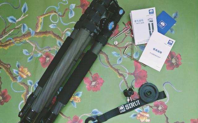 旅行中拍风景的必备单品,碳纤维思锐E-2205N三脚架