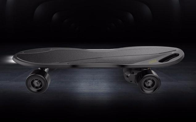 iFASUN金刚智能电动四轮滑板车