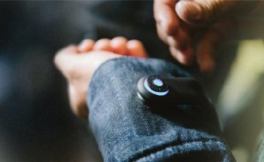 谷歌李维斯推联名夹克,能接打电话听音乐