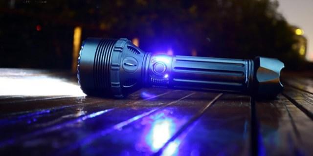 200瓦的疯狂 - 2.5万流明OLIGHT X9R超级探照灯测评