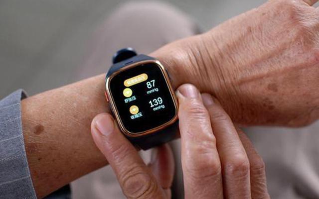 一键呼救还能测心率,父母身边的健康管家 — 链亲健康智能手表体验