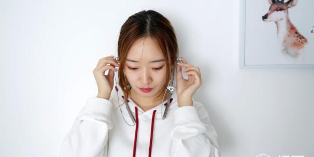 外观时尚 佩戴舒适,音质表现出乎我意料 — 小米蓝牙项圈耳机体验