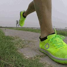 自从穿上这双跑鞋之后,我放弃了我的其他跑鞋   视频