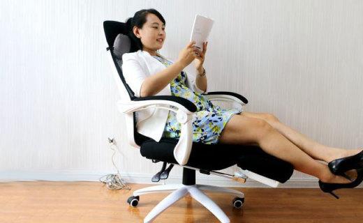 黑白调人体工学电脑椅测评,椅背完美贴合脊椎曲线