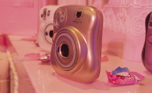 富士Install mini 25 相机:HelloKitty限量版,送软妹必备