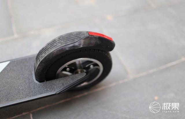 快轮F0电动滑板车