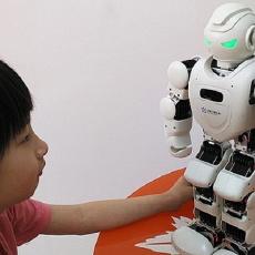 能唱会跳的Alpha Ebot,孩子的习惯养成伴侣 — 优必选 Alpha Ebot 机器人评测   视频