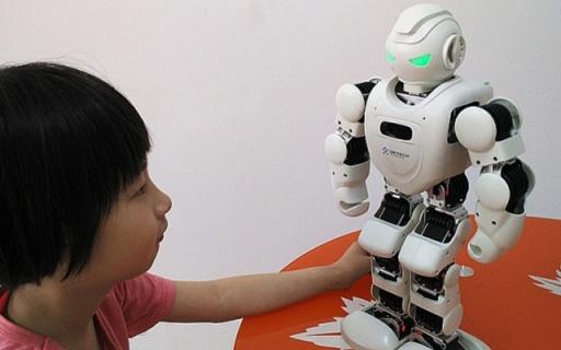 能唱会跳的Alpha Ebot,孩子的习惯养成伴侣 — 优必选 Alpha Ebot 机器人评测 | 视频
