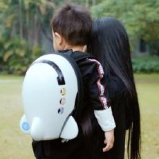 小孩子第一件双肩包,造型呆萌还防水 — 凡米粒 超萌宇航员儿童背包体验 | 视频