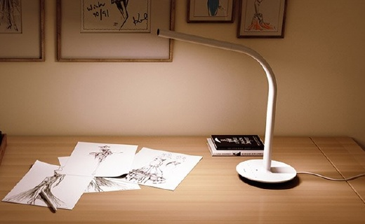 米家第二代智能台灯,双光源还能自动调节亮度