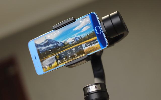 手机拍摄辅助利器,智云Smooth 4稳定器体验