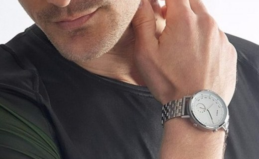 Misfit推出Command智能手表,传统指针造型