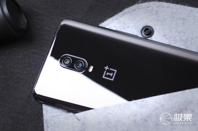 光感屏幕指纹,一键快启,极速狂飙的性能王者|一加手机6t测评