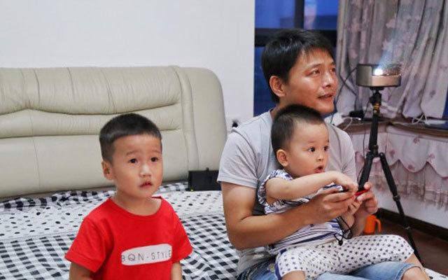 家庭娱乐霸主,让你和家人更亲密,坚果V9投影仪体验