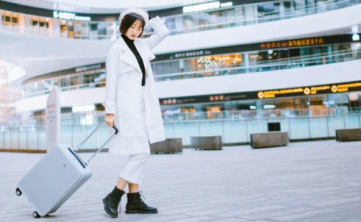 自带网红博主范的旅行潮物,TUPLUS途加铝框行李箱体验