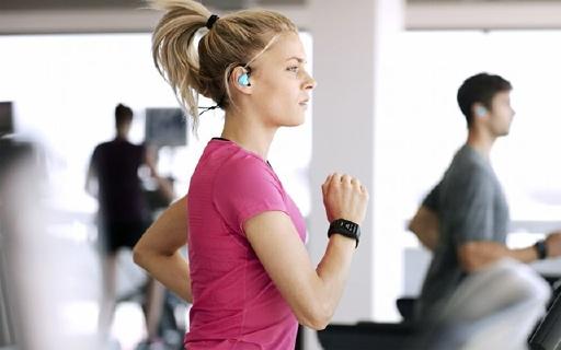 TomTom Spark Cardio+手表:能听音乐的蓝牙手表,还能监测心率