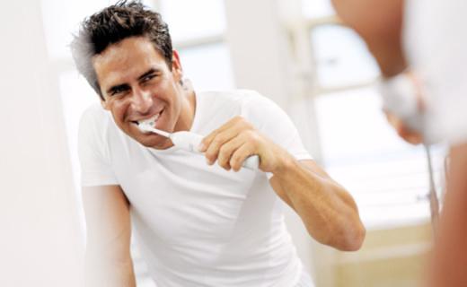 飞利浦HX6972电动牙刷:高频声波震动,深度洁净酷爽刷牙体验