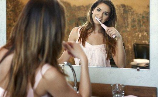 飞利浦电动牙刷:动态声波清洗,深度清洁呵护牙齿