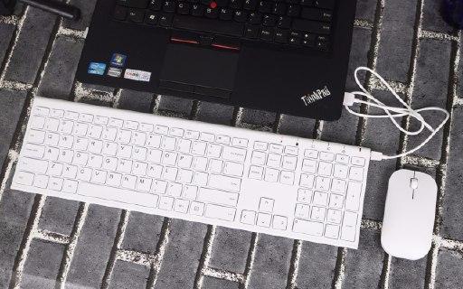 颜值出众+静音操作,或许你需要就是这么一款键鼠套装 — 航世 无线充电键鼠套装轻体验