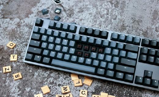 杜伽 K310 机械键盘评测:颜值与手感共存 | 视频