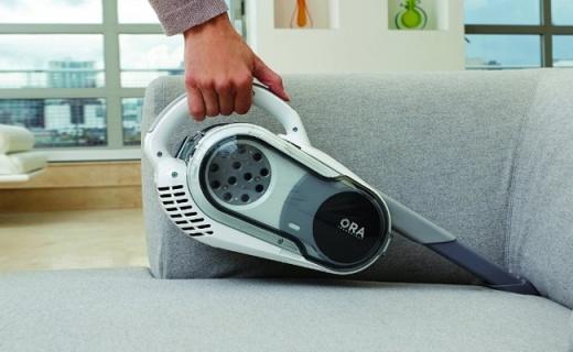 Black&Decker手持吸尘器:体积小巧吸力强劲,家里打扫无死角