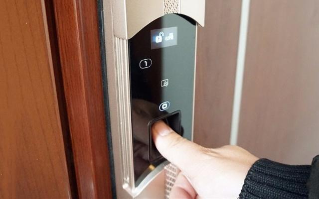 守护家庭安全的卫士,小偷看了也无可奈何 — 杨格贝塔7号智能门锁体验