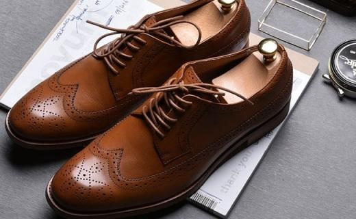 网易严选男士皮鞋:布洛克雕花美观透气,全牛皮材质超舒适