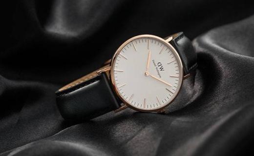 DW石英男士手表:黑金配色经典时髦,30米防水安心使用