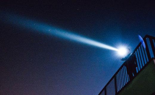 够亮才能秒射千米之外,凯瑞兹XT32手电测评