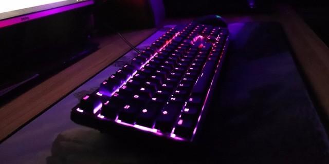 触发迅速 先人一步,燃起我曾经的电竞之梦 — 杜伽K310 Aurora银轴键盘评测