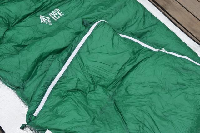 黑冰E400睡袋 松软轻薄有温度 便携轻装的黑冰E400 鹅绒睡袋 极果