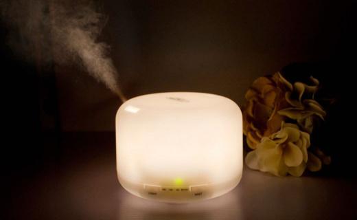 北欧欧慕加湿器:电子雾化出雾量大,4档暖光温馨舒适