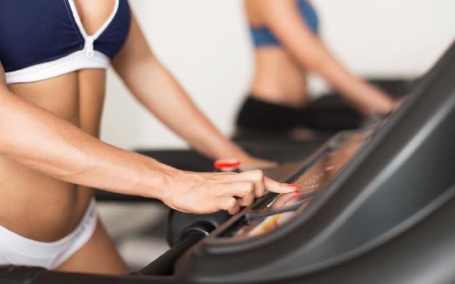 送长辈的健身跑步机,安装简单爸妈也轻松上手