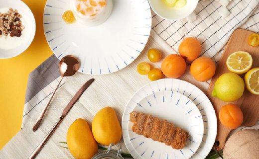 造作镜线餐具组合:简约几何图案,强化材质保温防撞
