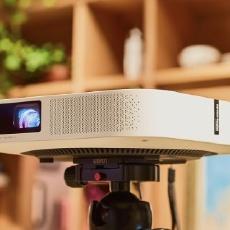 这款1080P无屏电视用性价比,圆了我把电影院床厅搬回家的梦 — 极米无屏电视Z6体验