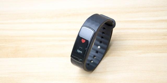 手环不仅彩屏,测心率的准确度还堪比心率带——埃微i6 HR彩屏手环体验