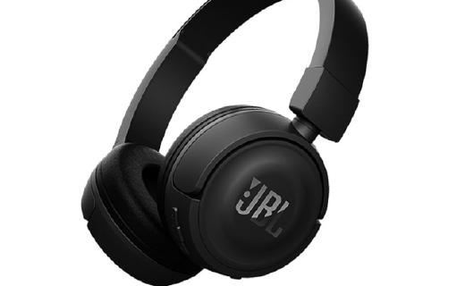 JBL无线蓝牙头戴式耳机:可折叠机身设计,轻盈舒适音质好