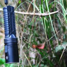 """防水强光手电筒,户外运动中的""""意大利炮"""" — 奈特科尔手电筒 EA42体验"""