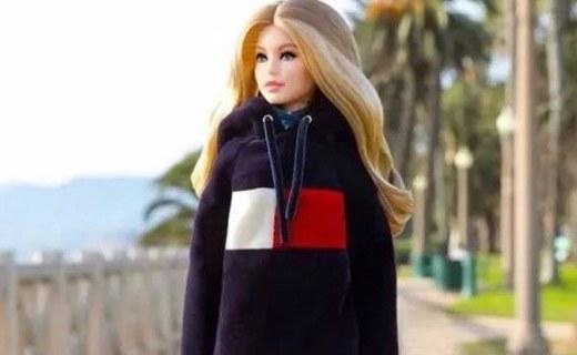 Tommy Hilfiger出联名芭比娃娃,超模Gigi版亮相