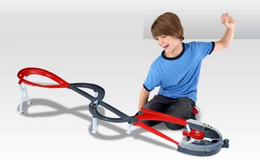 Hotwheels回旋赛道:酷炫跑道和赛车,培养宝宝专注力
