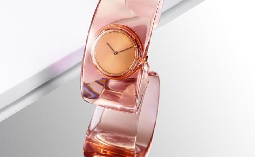 三宅一生手表:水晶玻璃镜面高端大气,简单随性可作饰品