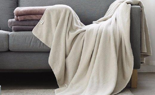 网易严选素色暖绒盖毯:100%暖绒材质,温暖舒适触感细腻