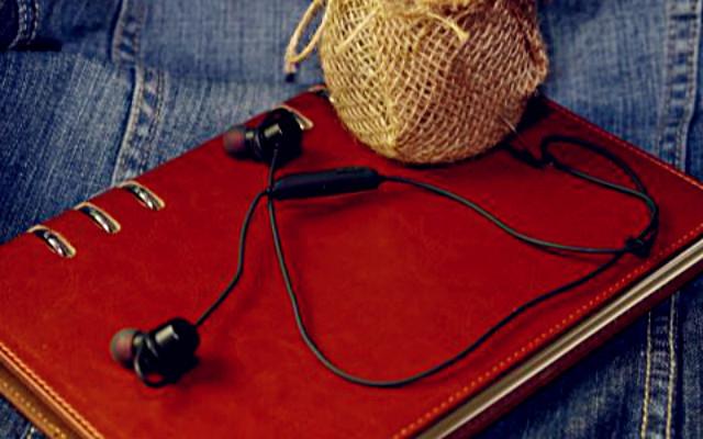 运动休闲范!音质均衡主打低音,先锋E322BT蓝牙耳机评测