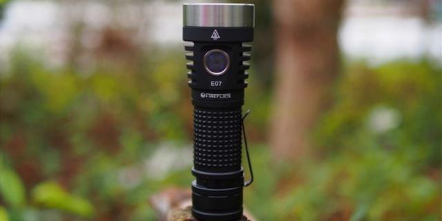 萤火之光,暗夜骄阳,4500流明多功能小钢炮——Fireflies E07 萤火虫手电