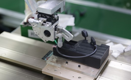 """我们""""潜入""""了一家耳机工厂看了看,他们是怎么干掉Beats的?"""