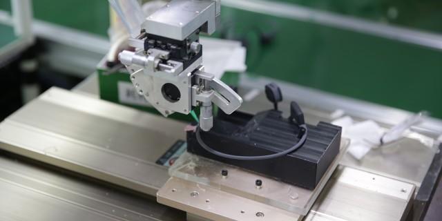 """我們""""潛入""""了一家耳機工廠看了看,他們是怎么干掉Beats的?"""