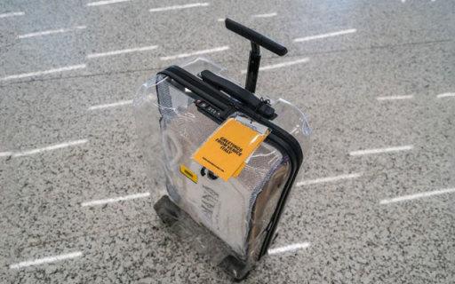 轻质耐摔 时尚透明,都市潮流青年的扫街必备 — Crash Baggage透明旅行箱体验   视频