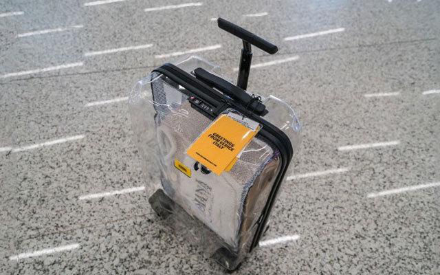 轻质耐摔 时尚透明,都市潮流青年的扫街必备 — Crash Baggage透明旅行箱体验 | 视频