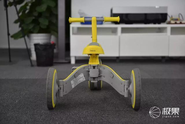 2018iF大奖,能变形的儿童车,萌宝新玩具!
