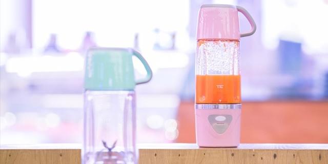 懒人福利,榨汁机竟被做成水杯大小, 派多乐榨汁杯体验